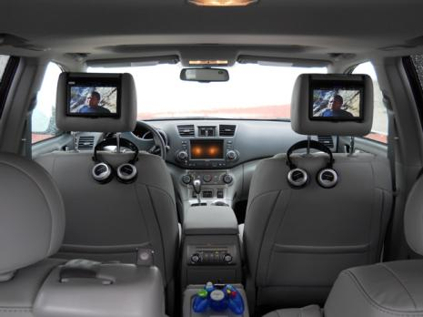 2011-toyota-highlander-video-headrests